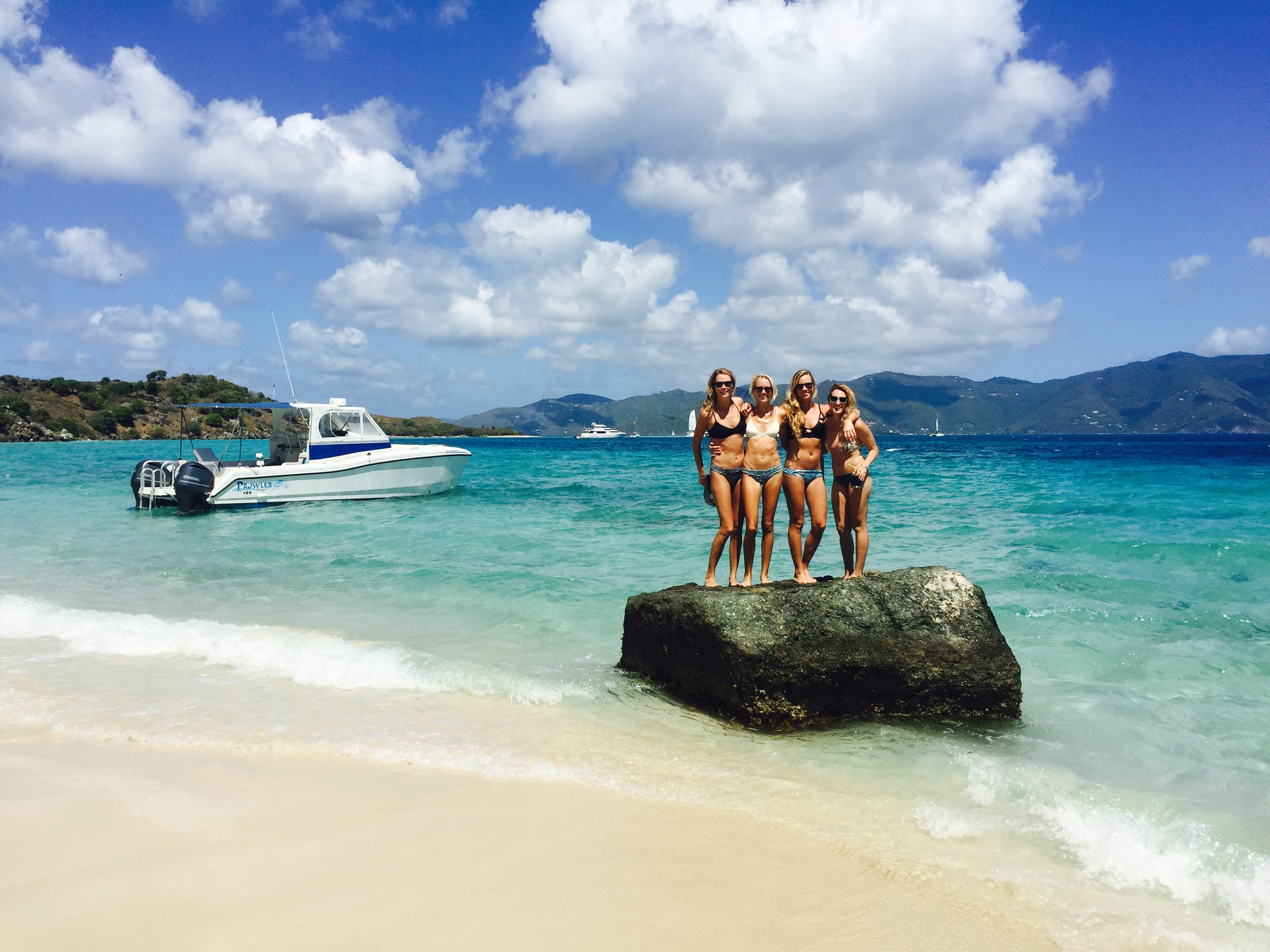 3 Reasons to Book a Private Boat while on Vacation in St Thomas
